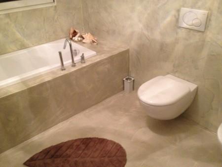 ... resina colorata. arredo bagno in resina e arredamento. pavimenti in